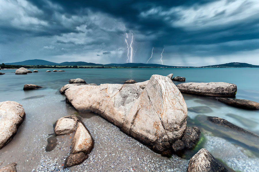 thunder_storm_over_the_sea